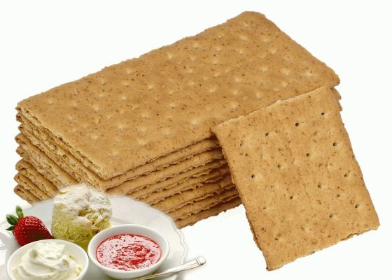 Graham Crackers with Ricotta and Jam